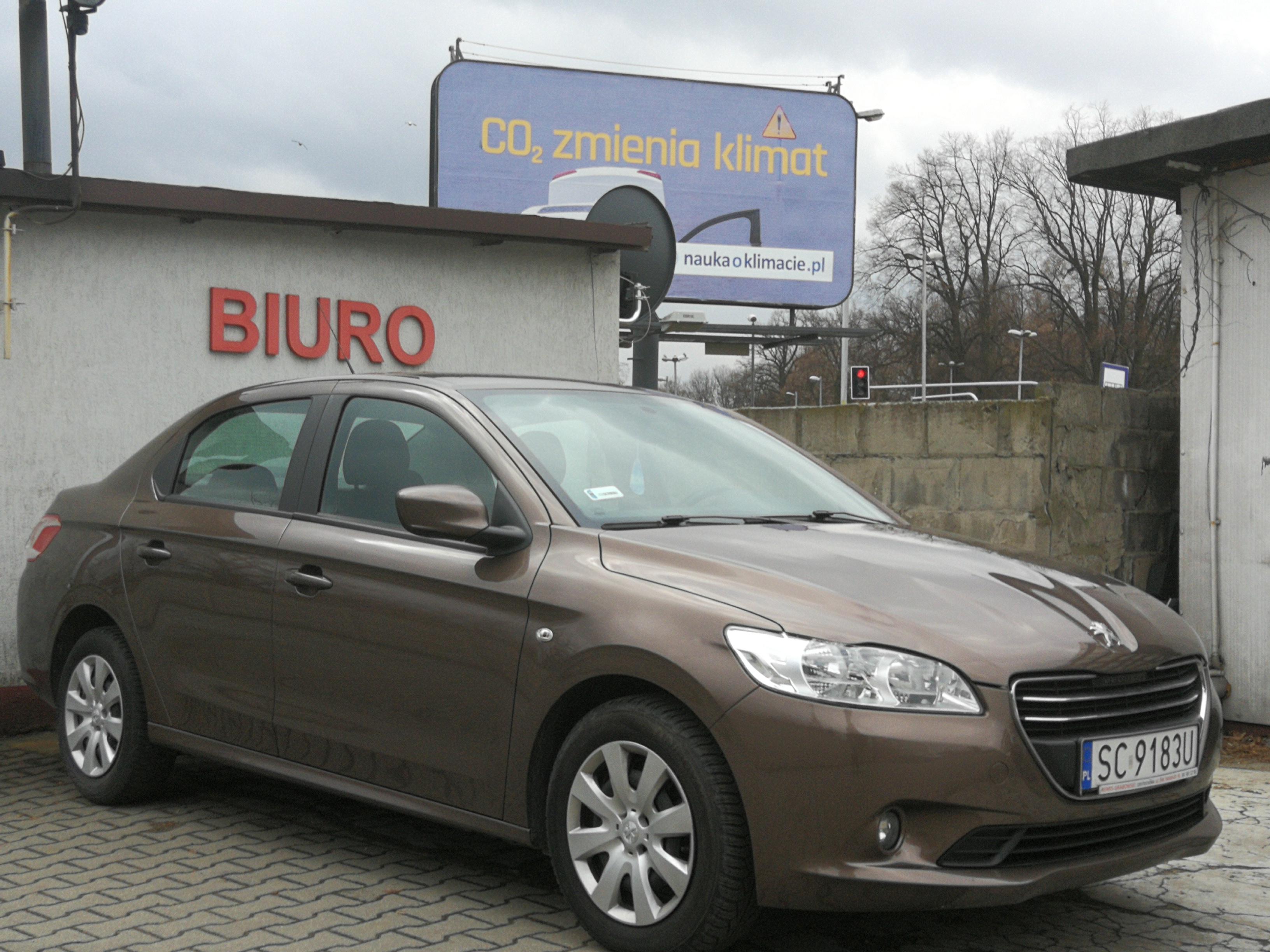 Wypożyczenie samochodu osobowego Peugeot 301