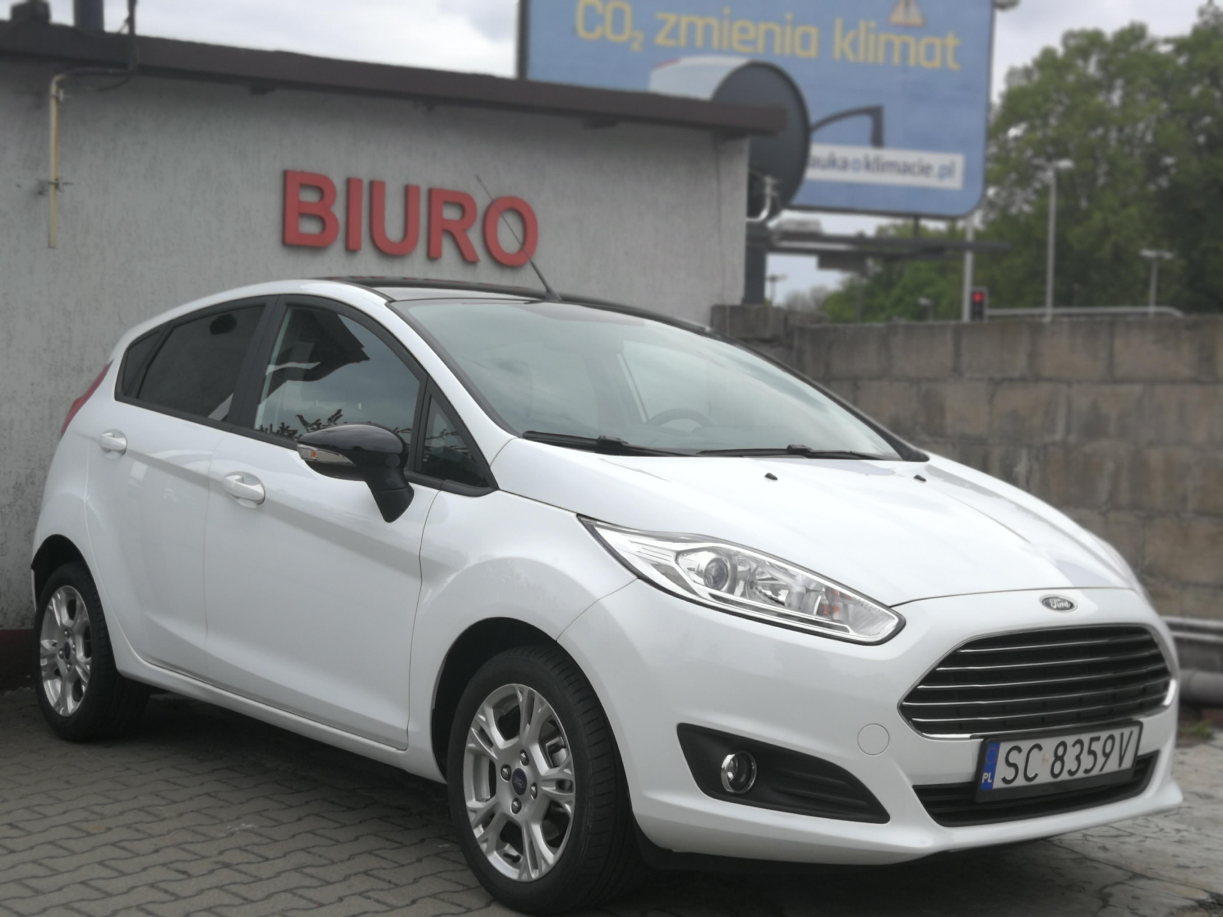 Wypożyczenie samochodu osobowego Ford Fiesta